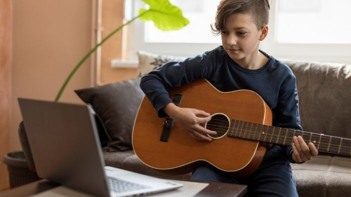 5 Reasons Online Music Lessons Are Beneficial 1